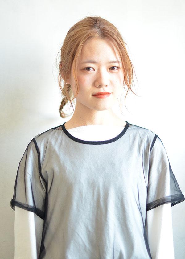 本山スタッフ亀井里奈