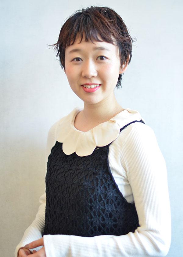 本山スタッフ高谷舞子
